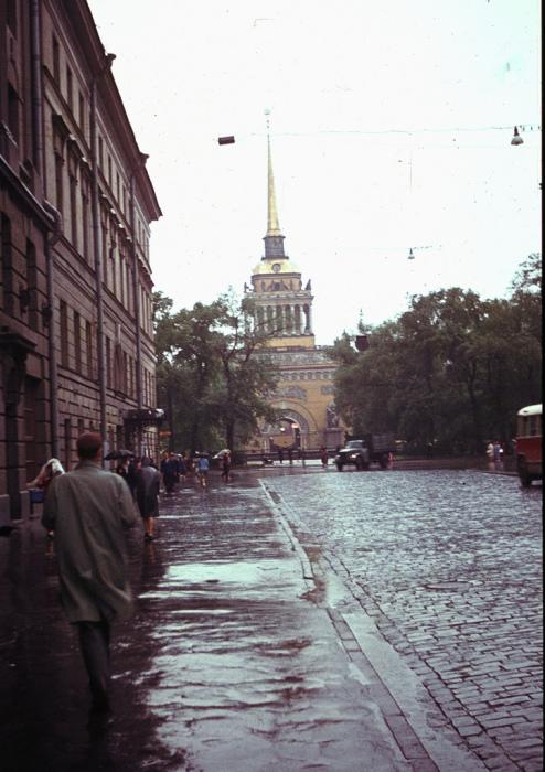 Гороховая улица - средняя часть «петербургского трезубца».