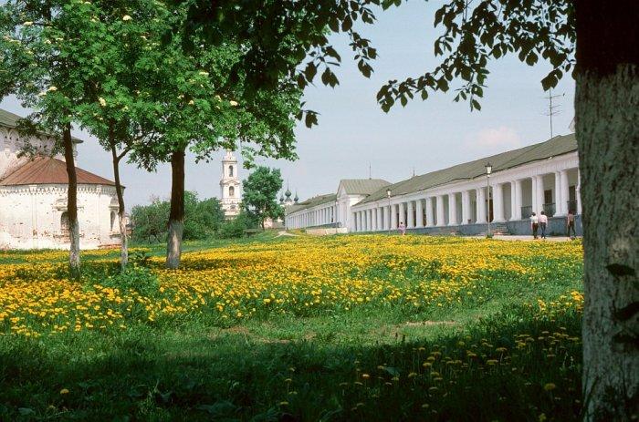 Город в России Владимирской области, административный центр Суздальского района и городского поселения город Суздаль.