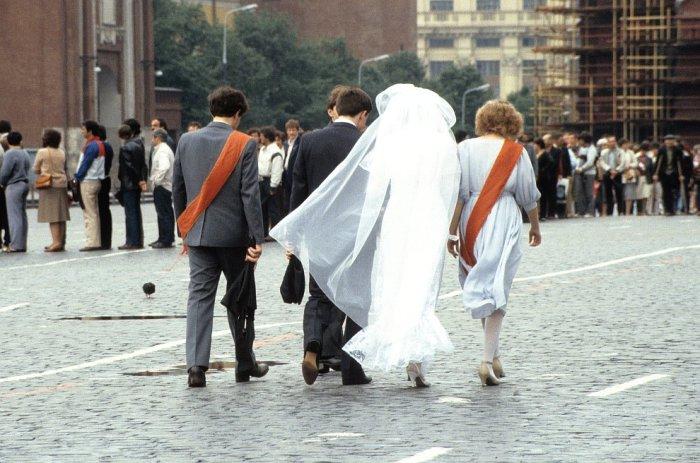 Свадьба в центре Москвы в 1985 году.