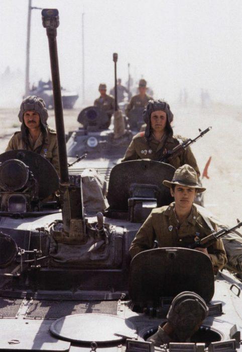 Советские танкисты в Афганистане. Автор фотографии: Вячеслав Киселёв.