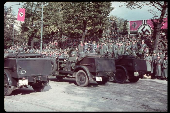 Парад немецких войск 5 октября 1939 года в Варшаве, в честь окончания Польской компании.