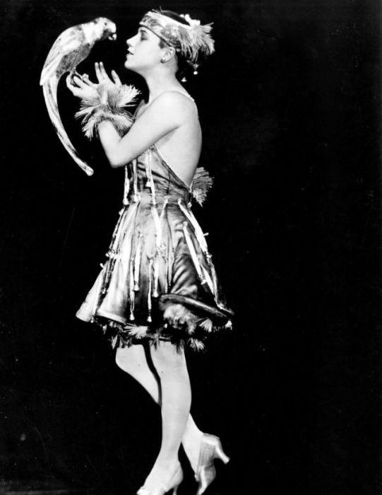Голливудска кинодива 1930-х годов.