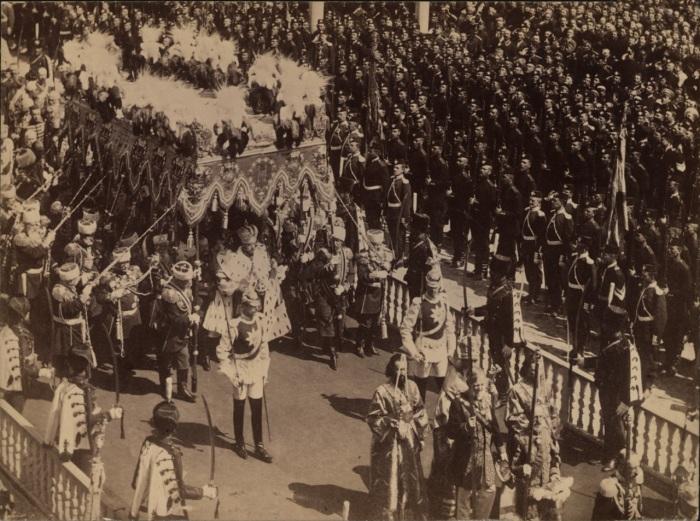 Церемония коронации Николая II в Москве в 1896 году.