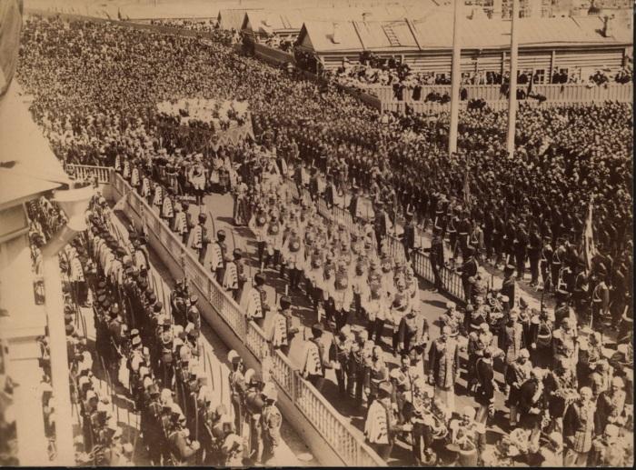 Торжественная церемония коронации Николая II в Москве в 1896 году.