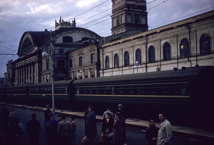 Центральный железнодорожный вокзал. СССР, Харьков, 1959 год.