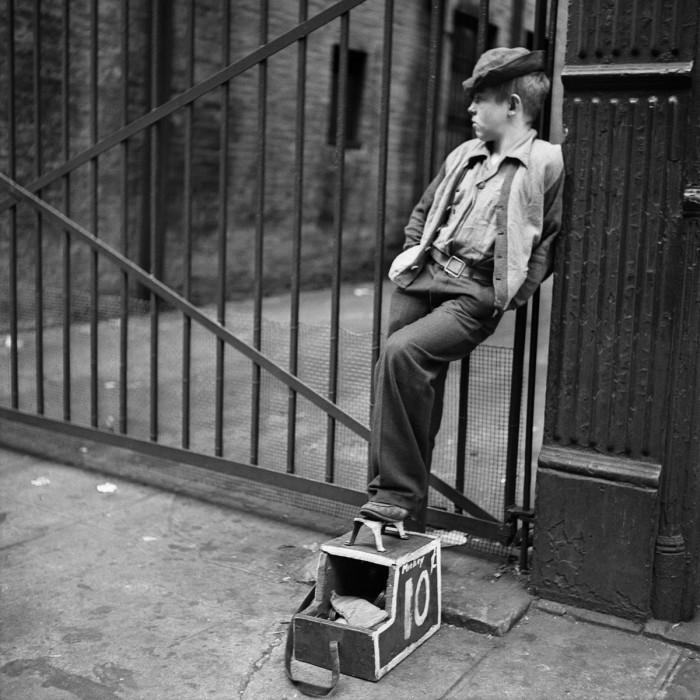 Чистильщик обуви, 1947 год.