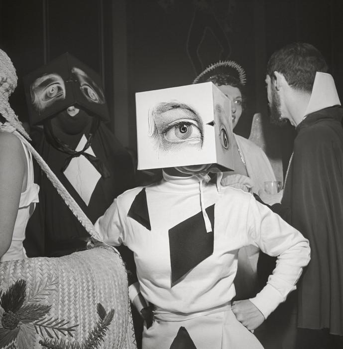 Тусовщики на балу изящных искусств в 1949 году в Филадельфии.
