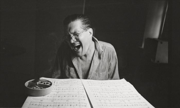 Питер Арно в 1949 году в своей квартире на Парк-авеню.