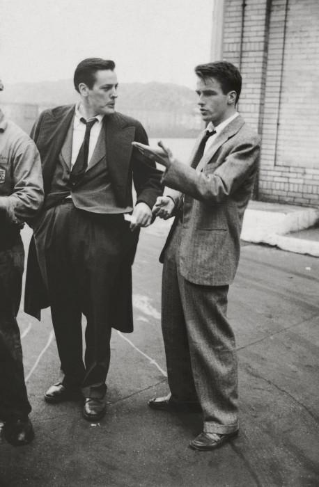 Актёр Монтгомери Клифт с коллегой Кевином Маккарти в 1949 году.