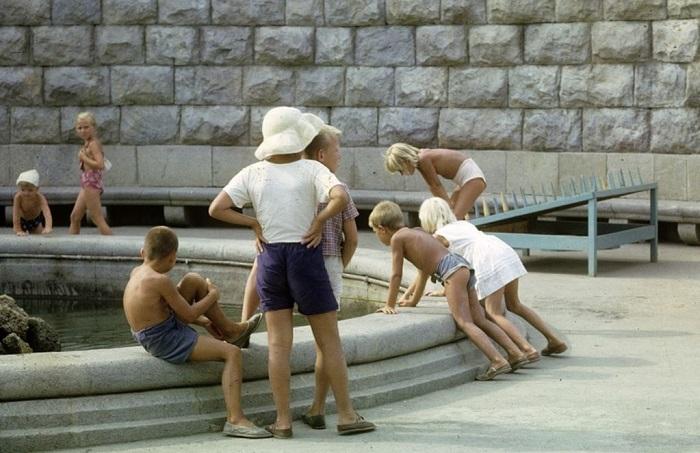 Уникальные фотографии о том, как жили люди в 1963 году.