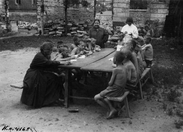Борьба с беспризорностью на заре советской власти. СССР, Москва, 1925