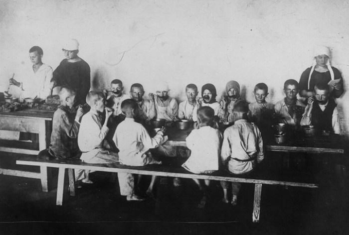 Предприятие общественного питания. Россия, Поволжье, 1921 год.
