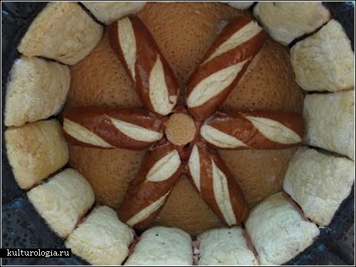 Гоночный автомобиль из хлеба