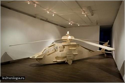 Модель боевого вертолета АH-64А Apache из фанеры австралийского художника  Джаспера Найта (Jasper Knight)