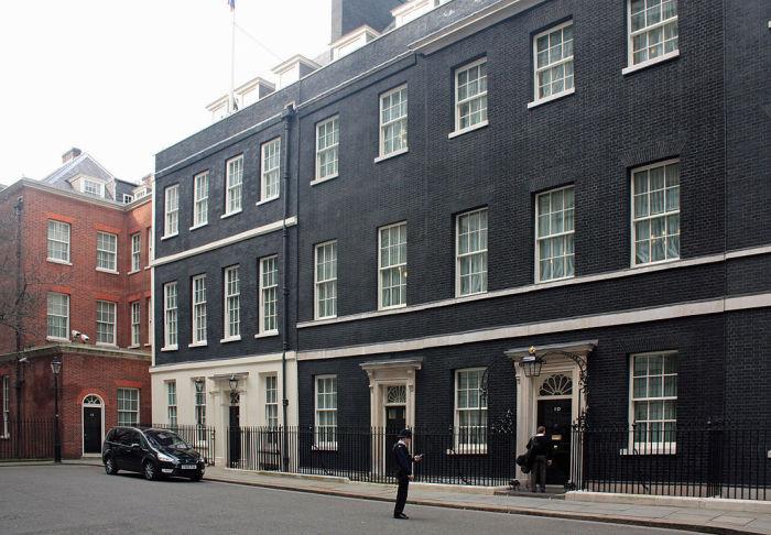 Даунинг-стрит, 10 – официальная резиденция премьер-министра Великобритании. | Фото: ru.wikipedia.org.
