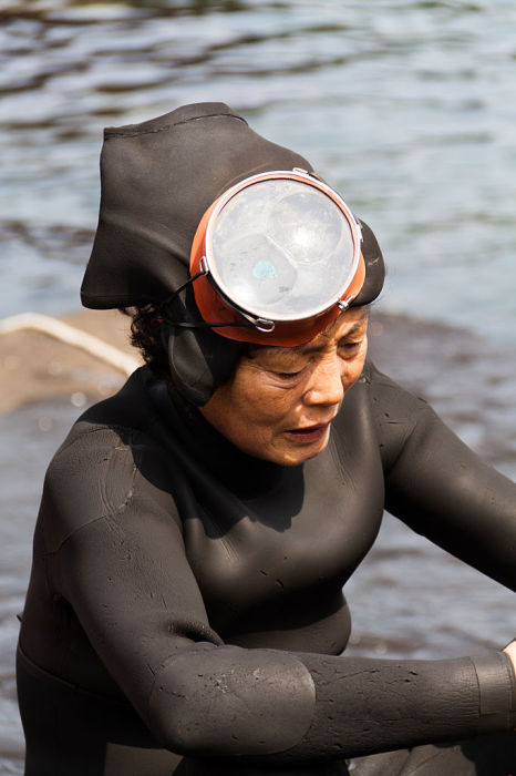 Женщина хэнё, ныряльщица с острова Чеджудо. | Фото: commons.wikimedia.org.