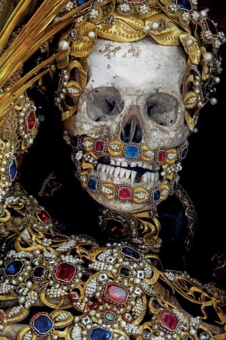 Скелет Святого Альбертуса.