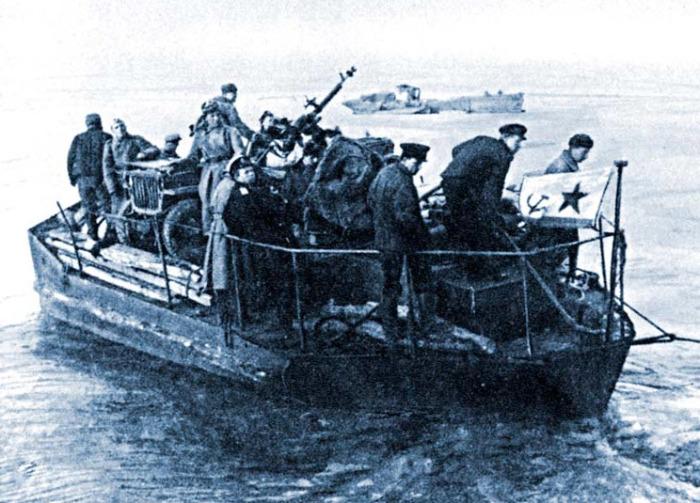 Советские десантники Дунайской флотилии. | Фото: belgorod-dnestrovskiy.ru.
