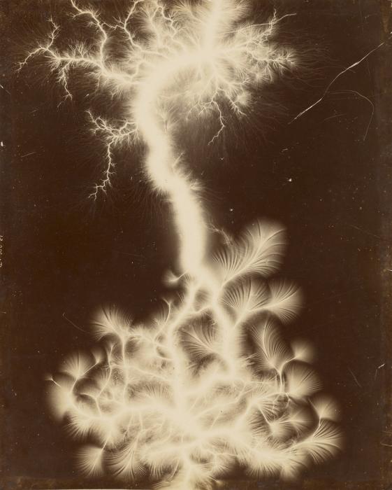 Шоу молний в миниатюре, 1895 г.   Фото: atlasobscura.com.