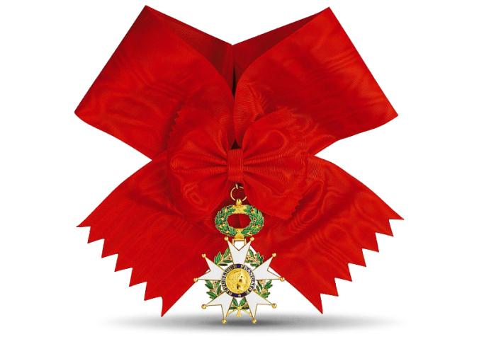Знак ордена Большого креста ордена Почетного легиона. | Фото: monnaiedeparis.fr.