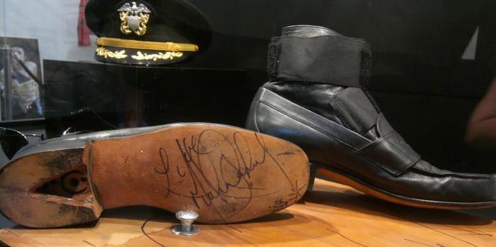 Обувь с секретом от Короля поп-музыки. Фото: netloid.com.
