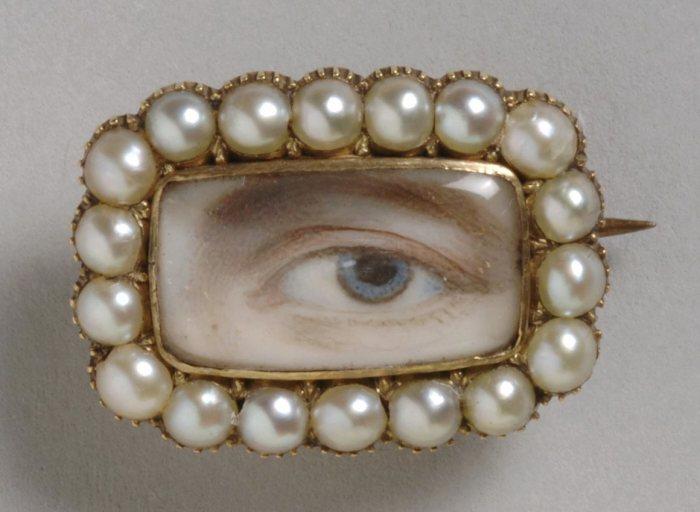 Портрет с левым глазом на брошке, ок. 1800 года. | Фото: atlasobscura.com.