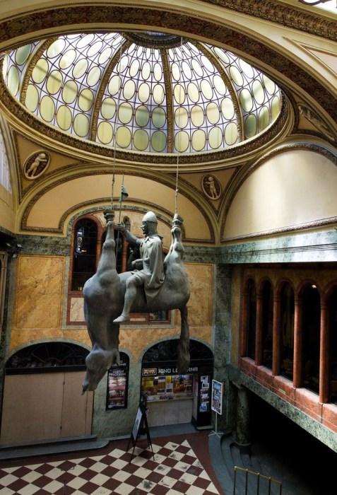 Статуя Святого Вацлава – древнего короля Чехии. | Фото: atlasobscura.com.