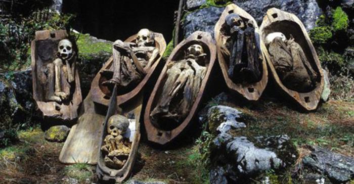 Копченые мумии с Филиппин. | Фото: 4tololo.ru.
