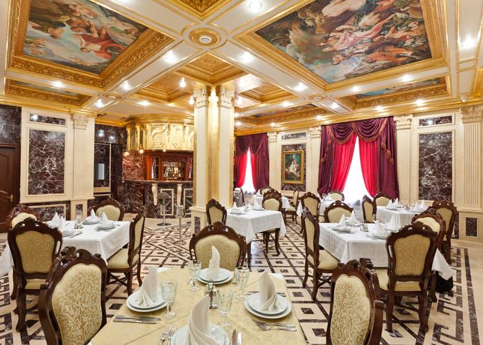 В роскошном петербургском ресторане. | Фото: grandmenu.org.