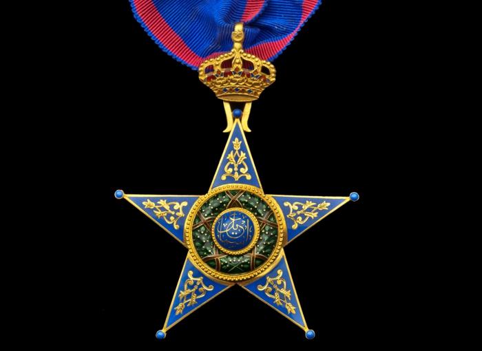 Золотая звезда Ордена Исмаила. | Фото: the-saleroom.com.