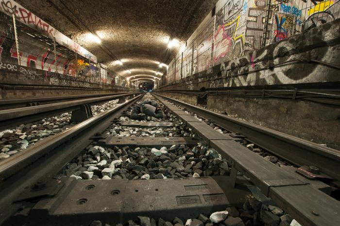 Станция «Арсенал» парижского метро, которая была закрыта для пассажиров 2 сентября 1939 года.