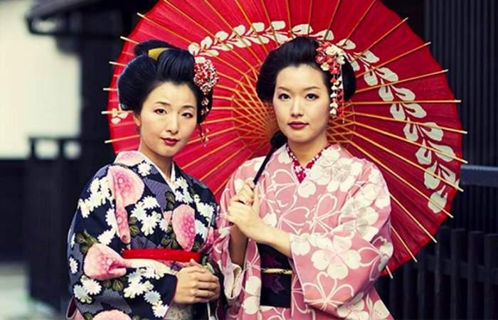 Современные гейши – девушки, которые свято блюдут традиции старой Японии. | Фото: aminoapps.com