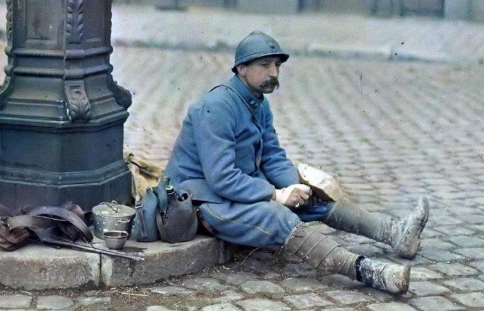 Французский солдат – пуалю. | Фото: visualhistory.livejournal.com.