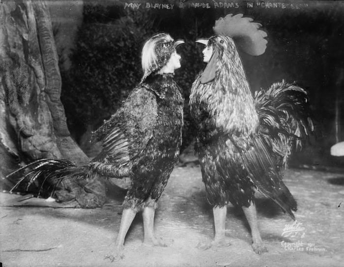 Мод Адамс и Мэй Блэйни в «Шантеклере». Фото: loc.gov.