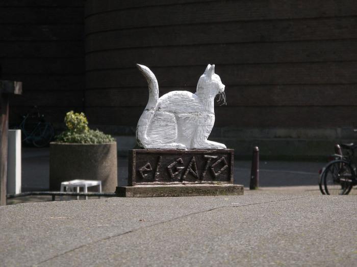 Приветственный знак возле причала Poezenboot. | Фото: flickr.com.