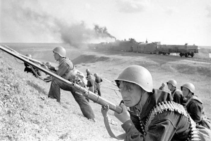 Бойцы Азовской флотилии, август 1942 года. | Фото: tsushima.su.