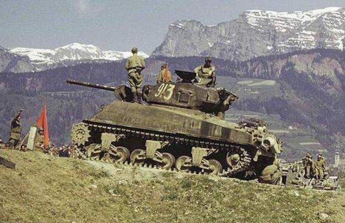 Танк «Шерман» 9-й гвардейской танковой бригады 1-го гвардейского механизированного корпуса. Австрия, май 1945 года. | Фото: tankfront.ru.