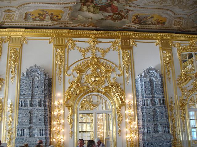 Украшение интерьера Большого зала Екатерининского дворца. | Фото: flickr.com.