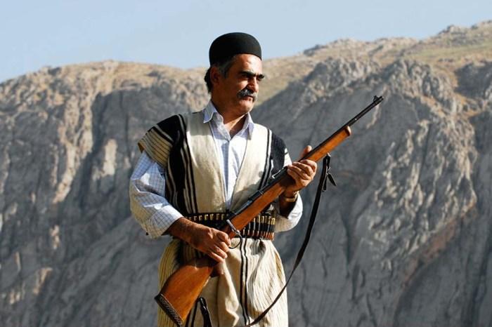 Вооруженный мужчина племени бехтиаров.   Фото: fouman.com.