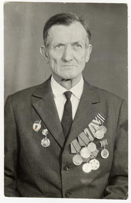Военный шофер Чайка Данил Трофимович, ок. 1970-1975 гг.