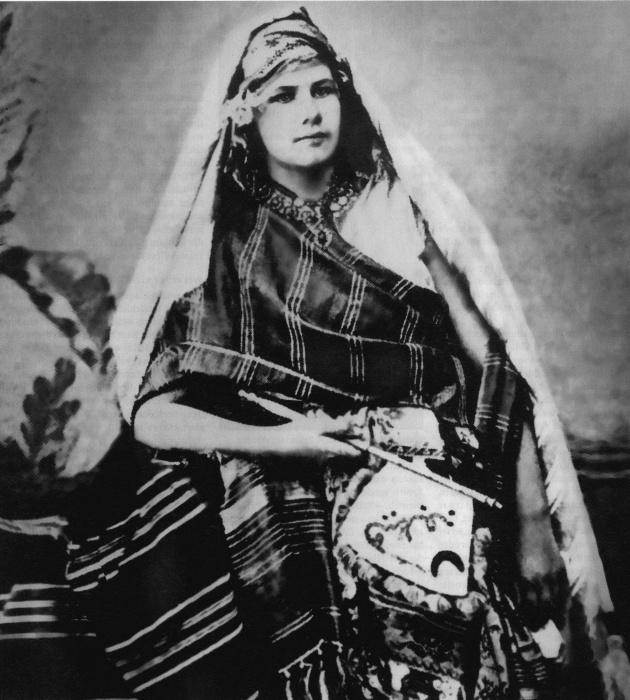 Изабель Эберхард в пустыне Сахель, около 1900 года.   Фото: de.wikipedia.org.