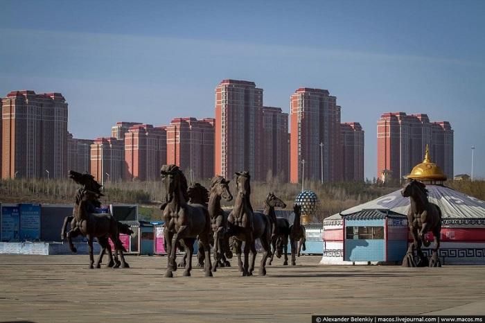 Статуи бегущих лошадей. | Фото: macos.livejournal.com.