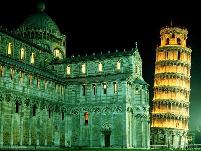 Пизанский собор и падающая башня Пизы. | Фото: miriadna.com.