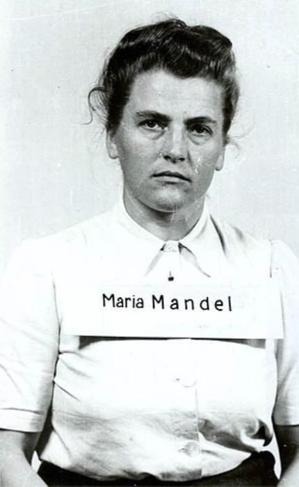 Мария Мандель после задержания американскими военными, август 1945 года. | Фото: ru.wikipedia.org.