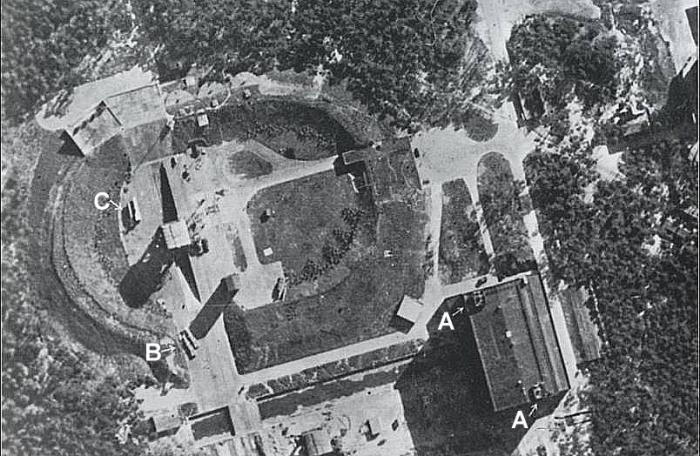 Пусковая установка ракеты «Фау-2» на полигоне Пенемюнде, 1943 год. | Фото: ru.wikipedia.org.