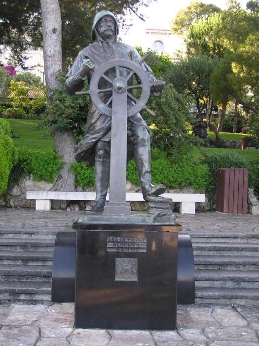 Памятник Альберу I, установленный на одной из улиц Монако. | Фото: ru.wikipedia.org.