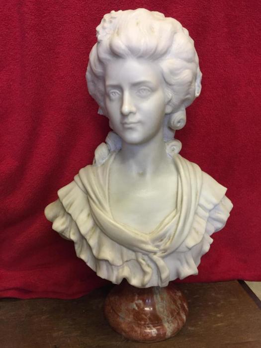 Мраморная скульптура маркизы де Ламбаль. Landucci, XVIII век. | Фото: proantic.com.