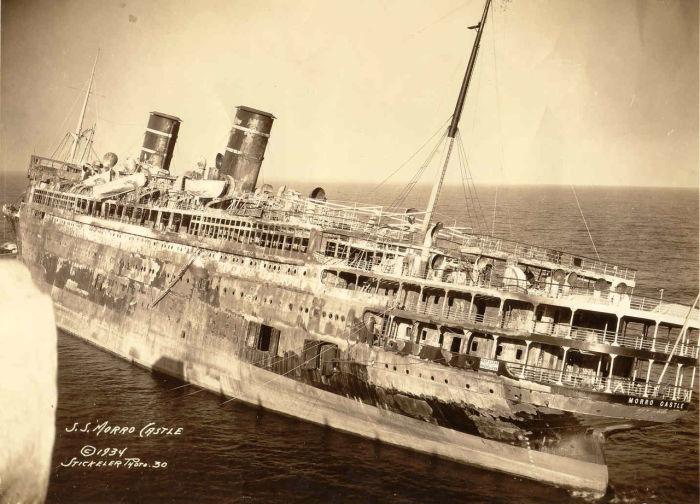 Остов затонувшего «Морро Касл». Побережье Нью-Джерси, ноябрь 1934 года. | Фото: en.wikipedia.org.