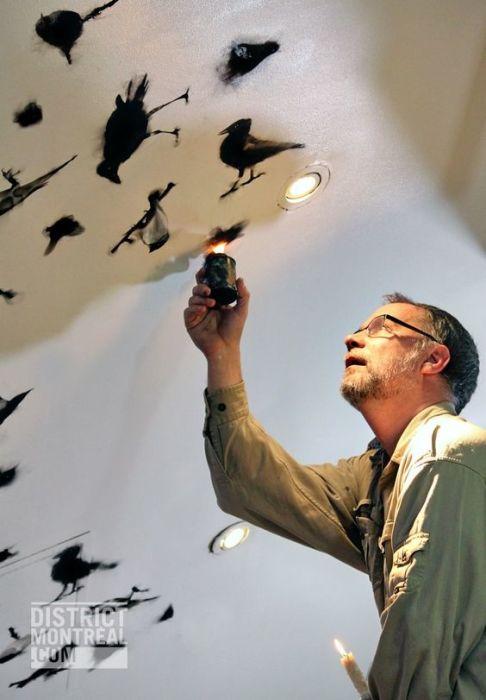 Стивен Спазук за работой. | Фото: pinterest.com.