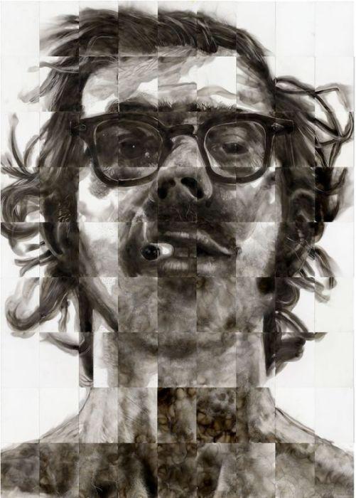 Большой портрет, сложенный из многочисленных рисунков сажей. Стивен Спазук. | Фото: pinterest.com.